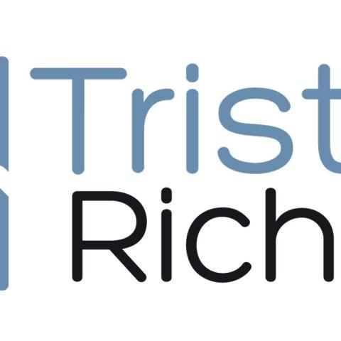 Logo personnel pour mettre en avant un CV dans une recherche d'emploi en monteur vidéo créé par le rat et l'ours graphiste